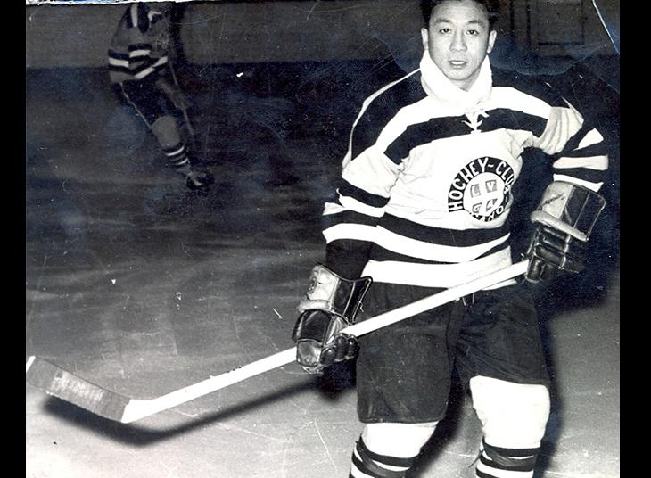 Addio a Larry Kwong, il primo cinese nella NHL